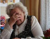 Λάρισα: 74χρονη πέταξε 1.500 ευρώ από το μπαλκόνι της